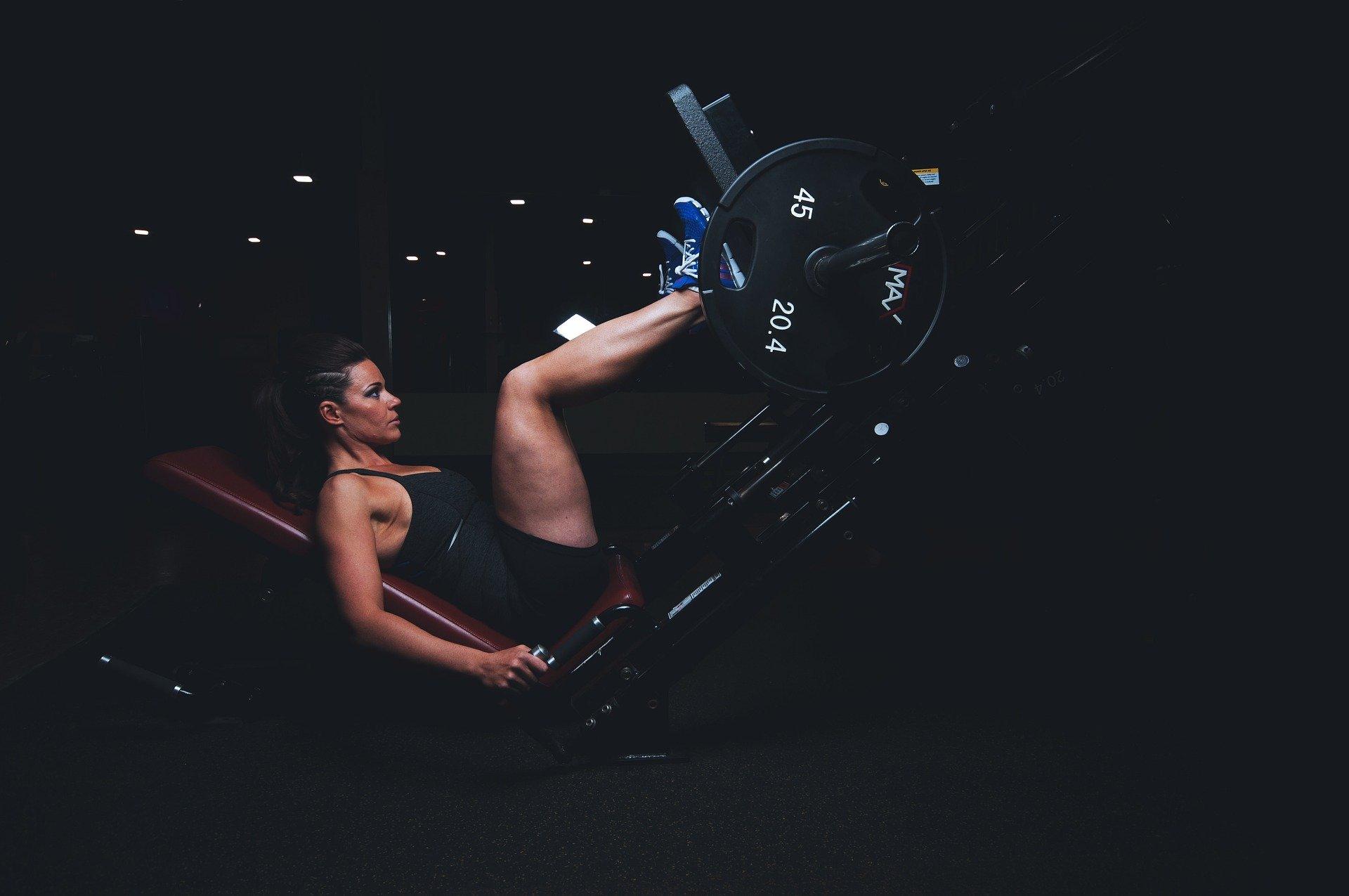 Svårigheter stärker sinnet, liksom arbetet gör med kroppen